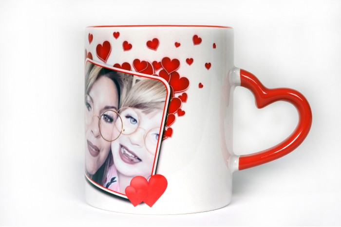 Чаша с дръжка сърце